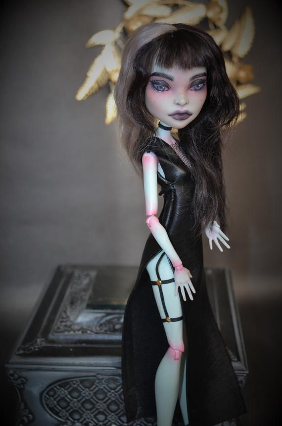 OOAK Monster High Scarah Screams repaint custom dolls #ooakmonsterhigh