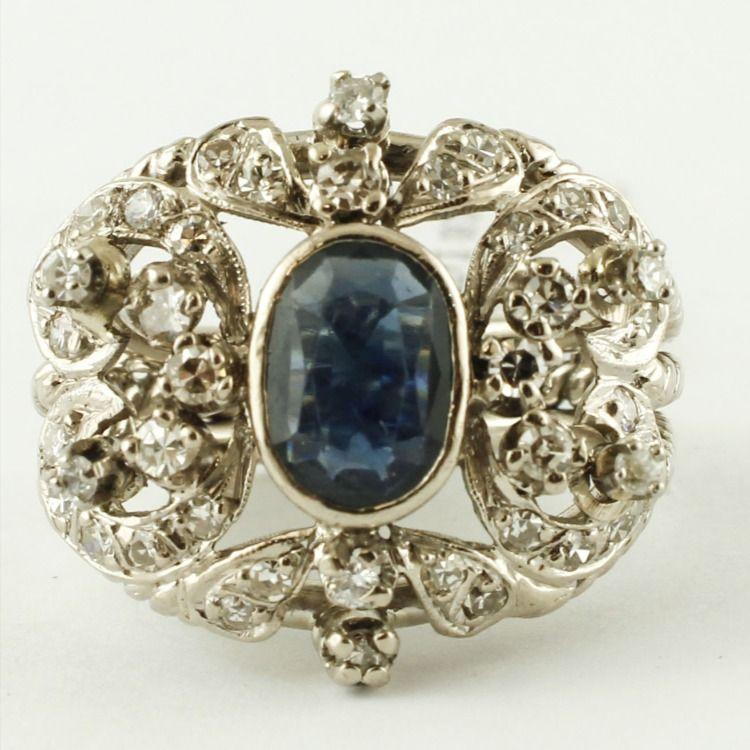 Central Blue Sapphire Diamonds 12 Karat White Gold Vintage Ring En 2020 Piedras Preciosas Piedras Precioso