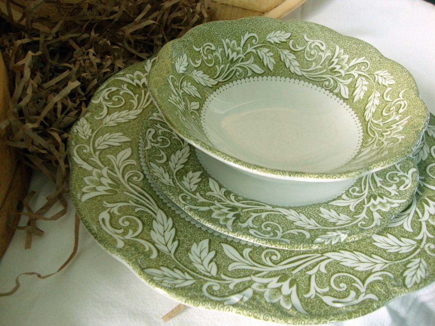 Meakin Renaissance Green and White Ironstone Dinnerware - My mom\u0027s first set of dishes from the late I can remember many Thanksgiving and Christmas dinners ... & Vintage J. \u0026 G. Meakin Renaissance Green and White Ironstone ...
