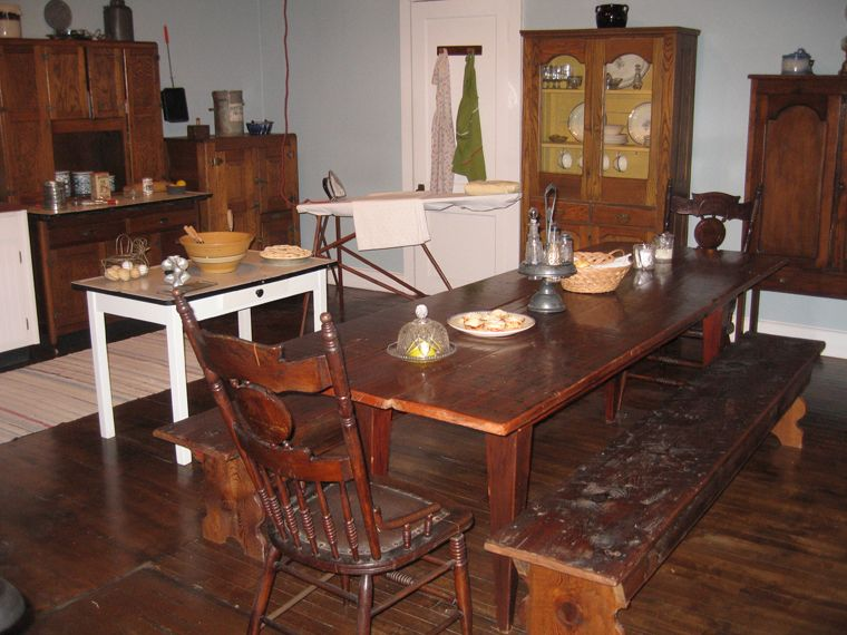 The Waltons Family Table Fit A Of 11 Wonderful