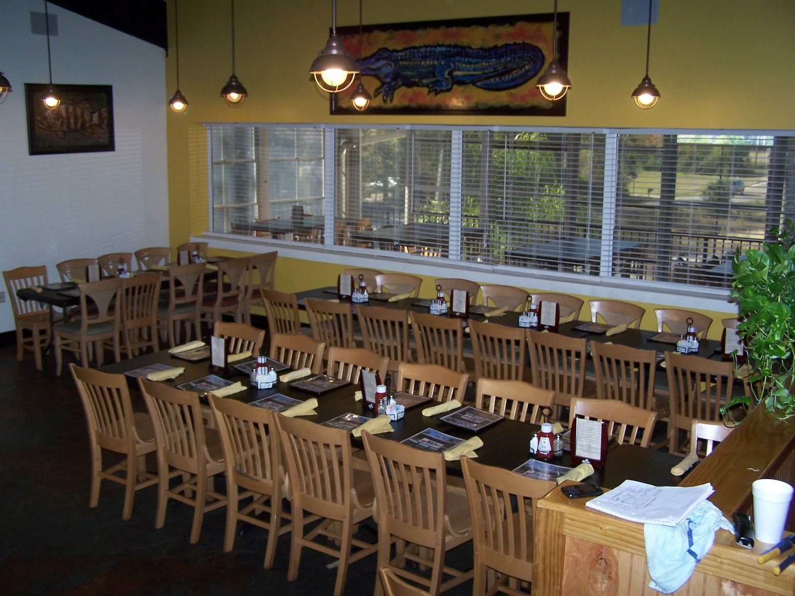 Backbay Seafood Restaurant Gulfport Ms Group Seating And Large Parties Www Backbayseafoodrestaurant