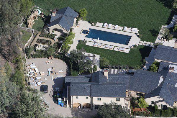 Kim Kardashian Kanye West House Renovations Hidden Hills Radar Online Horror House House Dream Backyard