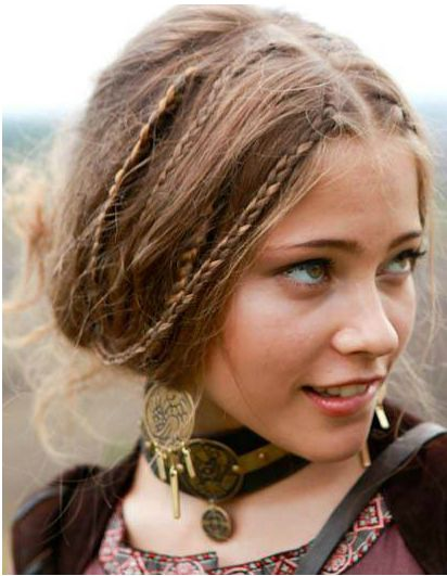 I Should Put Many Little Braids In My Hair And Leave Them In For A Couple Of Days It Looks So Fun Hippie Hair Hair Styles Medieval Hairstyles