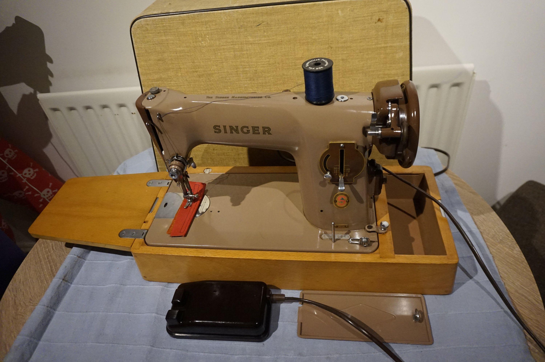 Vintage Singer 201k Aluminiun Electric Semi Industrial Sewing Etsy Singer Sewing Machine Vintage Industrial Sewing Machine Industrial Sewing