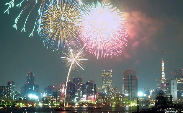 Nye Fireworks In Tokyo New Years Eve Fireworks New Year S Eve 2020 New Years Eve