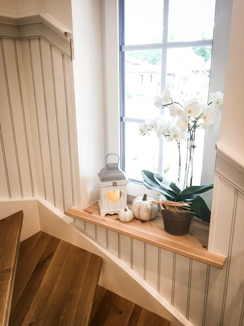 Wandpaneele Im Treppenhaus Beadboard De Das Original Aus Den Usa Treppe Haus Wandpaneele Treppenhaus