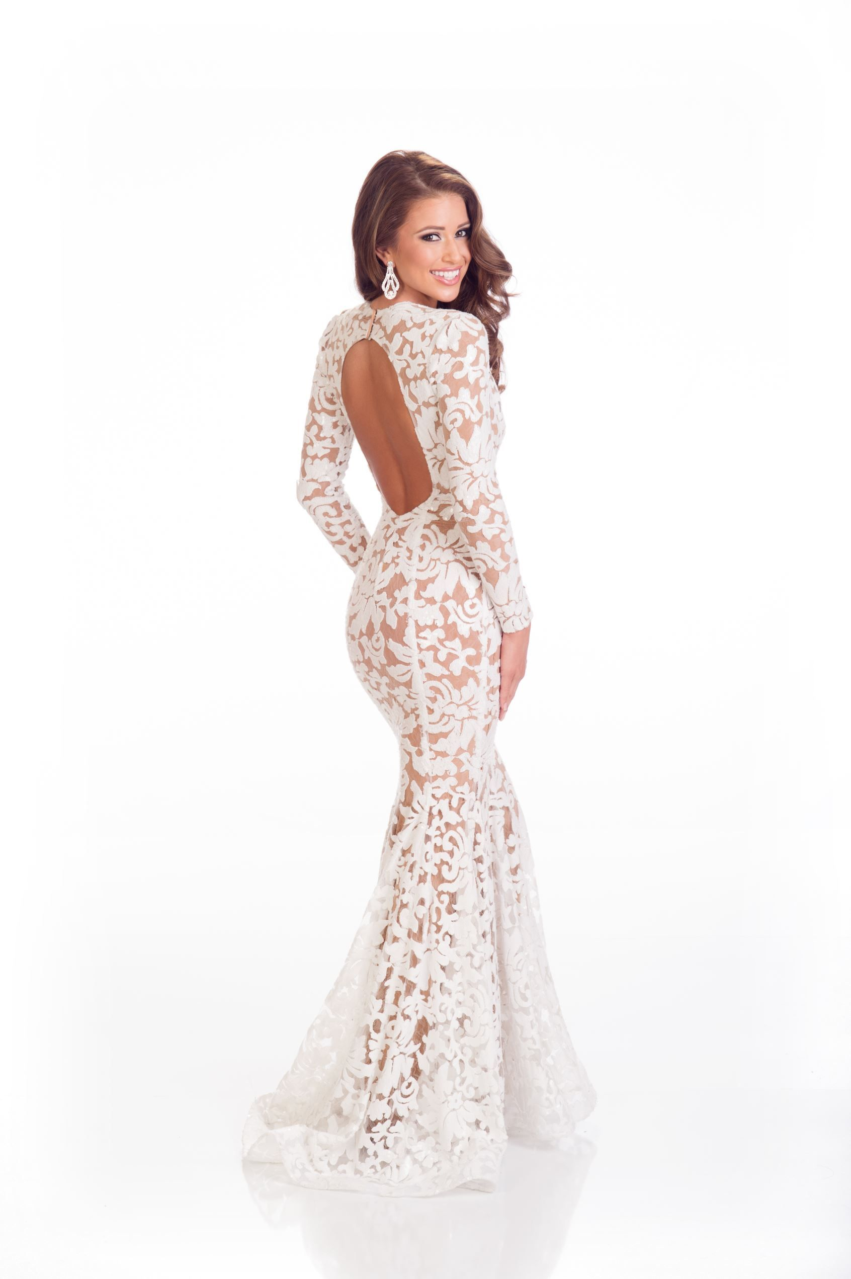 The beautiful Nia Sanchez, Miss USA, is all glam in her white lace ...