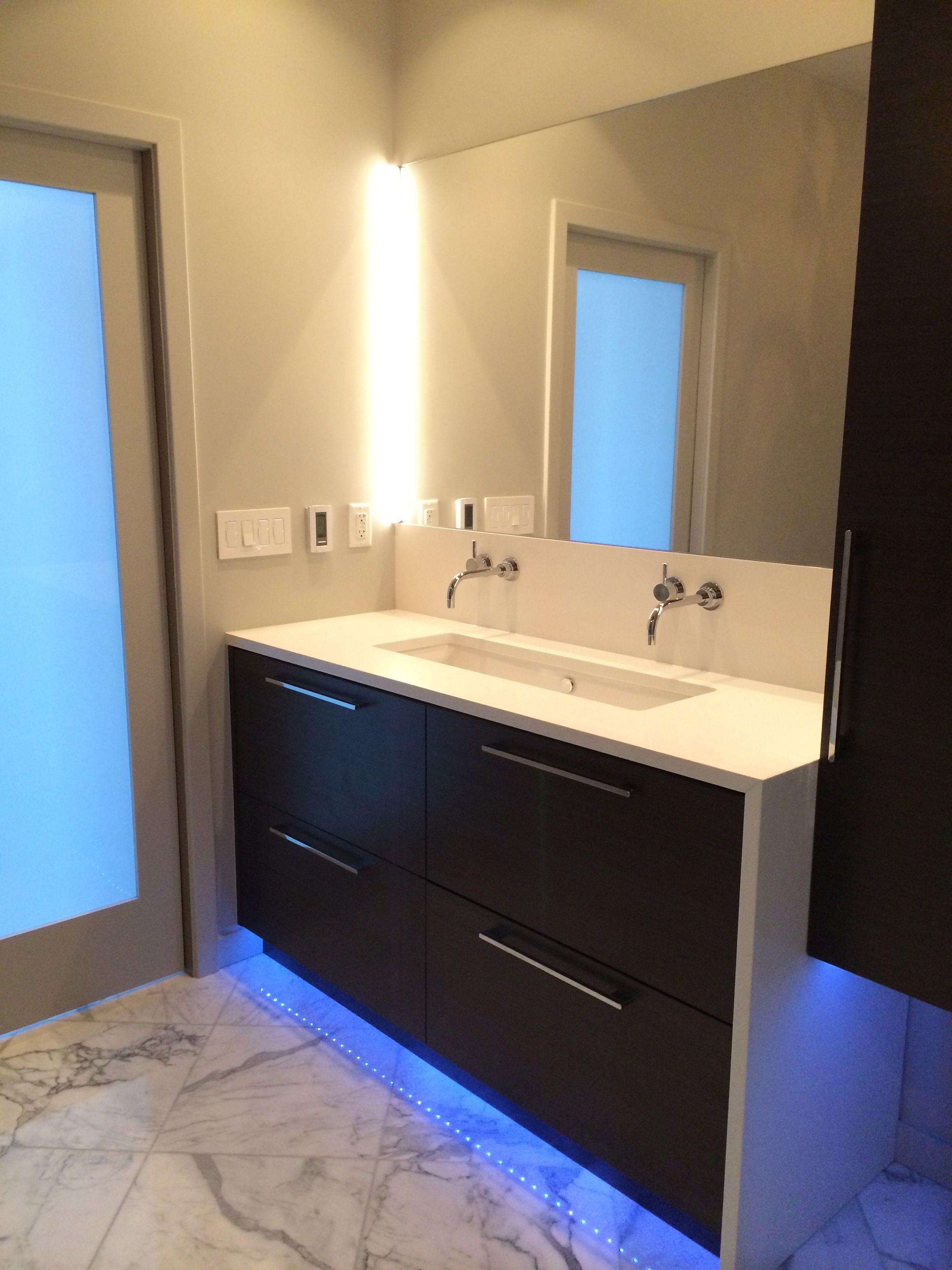 20+ Schöne, Moderne Badezimmer Beleuchtung Ideen | Badezimmer ...