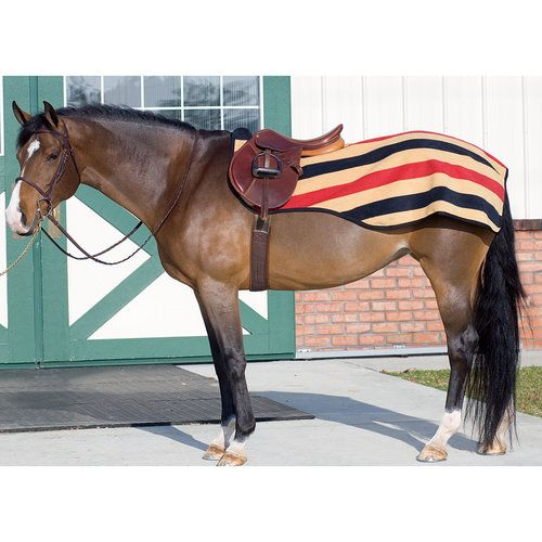 The Rambo Newmarket Quarter Sheet Allows You To Keep Riding Even In Cold Weather Top Quality Anti Pill Fleece Exercise Rug Features A Saddle Cut Out