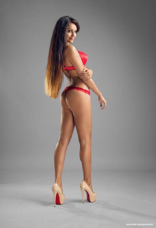 sexy girl mit schonen beinen