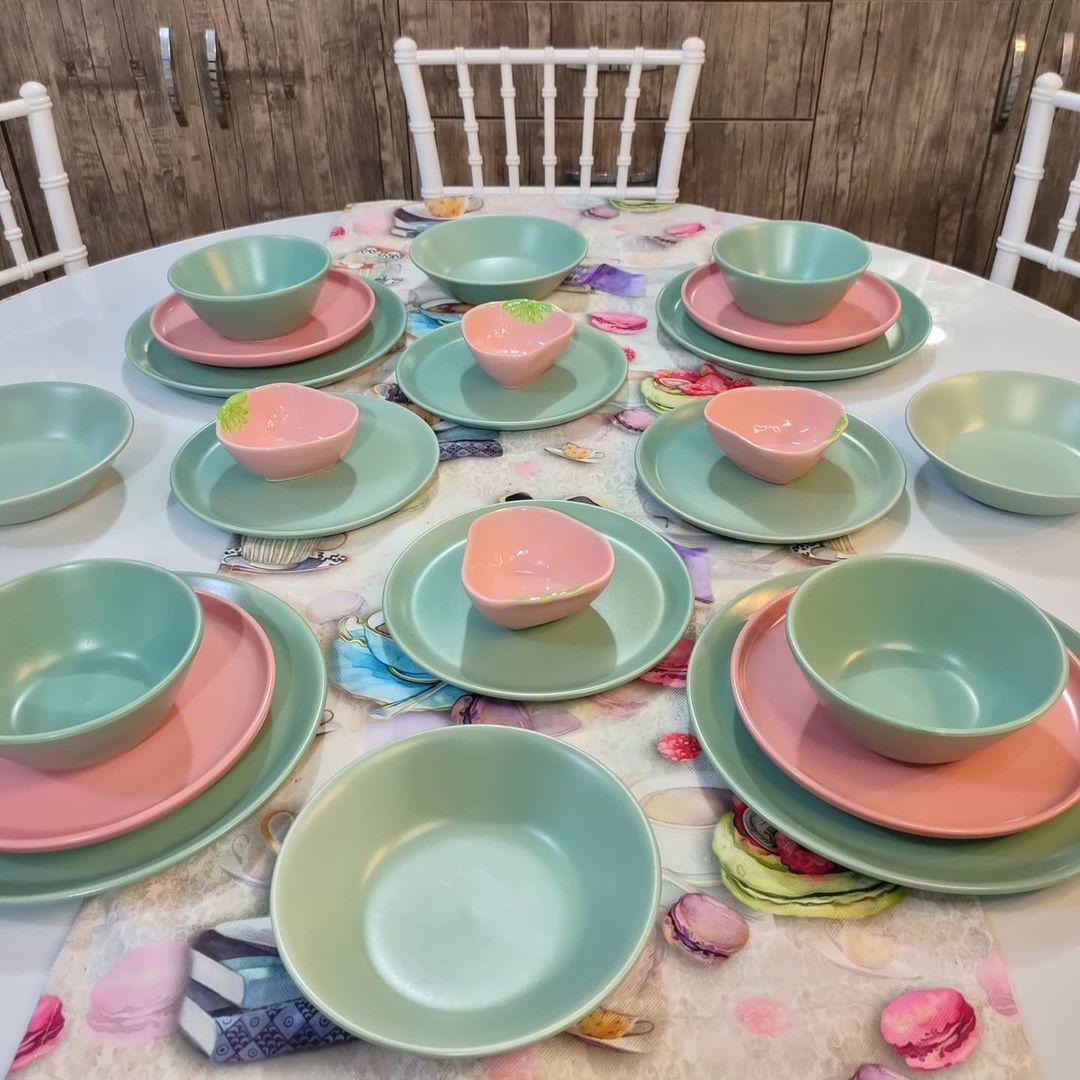 بيت العائلة On Instagram سيت صحون تركي بلون الفيروزي والوردي يتكون من 24 قطعة السعر ٣٣ الف دينار تتوفر خدمه توصيل لكافة المحافظات Bowl Tableware Mixing Bowl