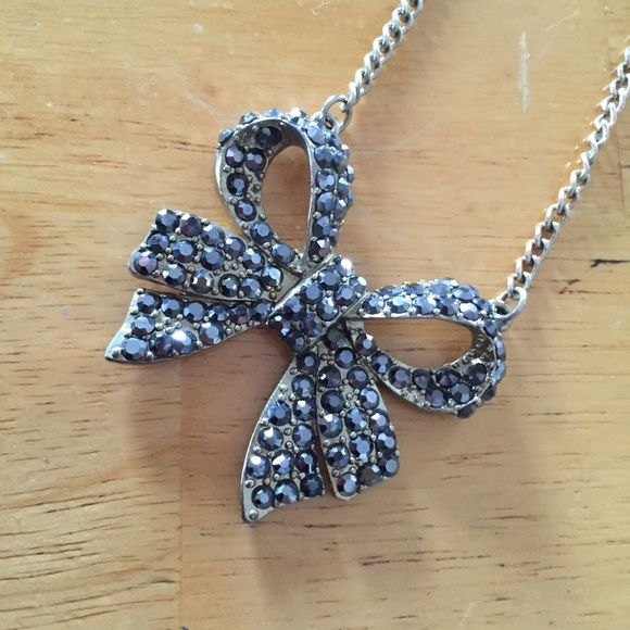 ✨jeweled bow necklace ✨ Adorable jeweled bow necklace, with a thick gold chain. Perfect for the spring to dress up any casual outfit. The Limited Jewelry Necklaces