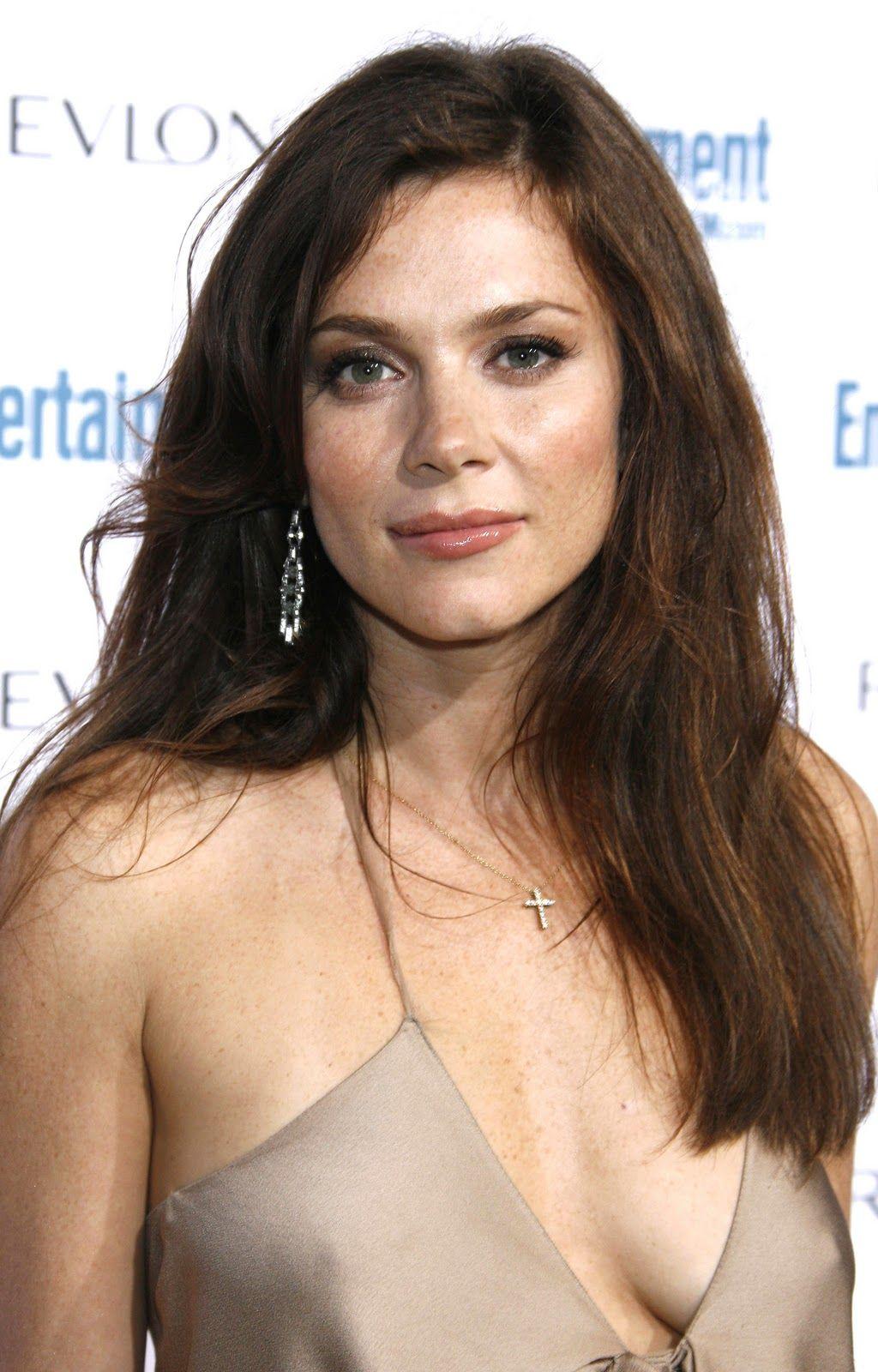 Anna Friel (born 1976)