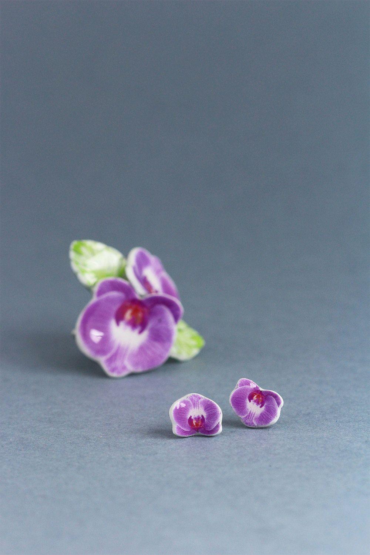 Boucles d'oreille orchidée rose, boucle d'oreille tendance post tropicale par gumcrack sur Etsy https://www.etsy.com/fr/listing/220373563/boucles-doreille-orchidee-rose-boucle
