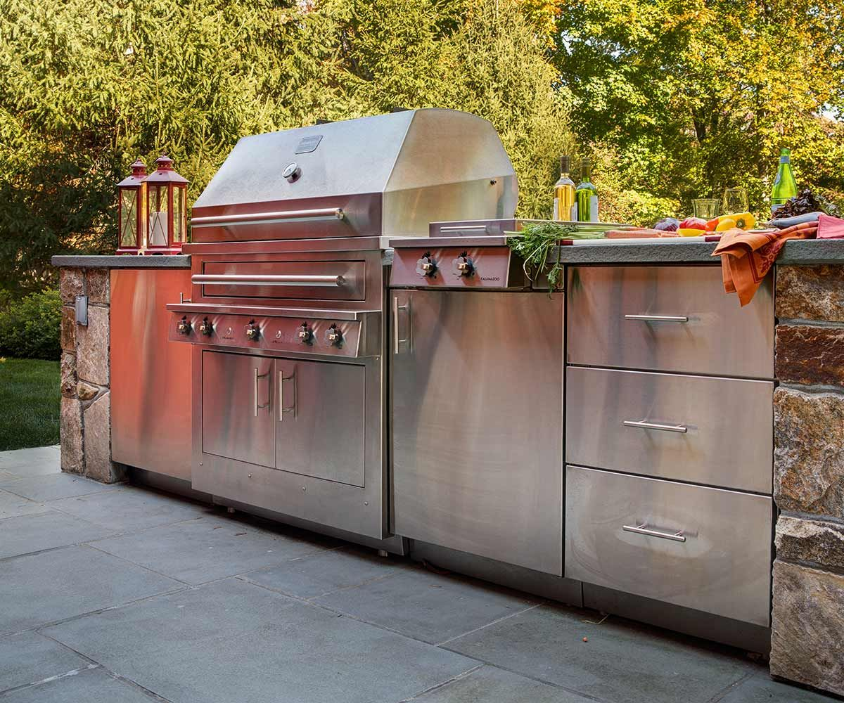 Kalamazoo Outdoor Storage Cabinets And Built In Grill Outdoor Kitchen Design Outdoor Kitchen Built In Grill