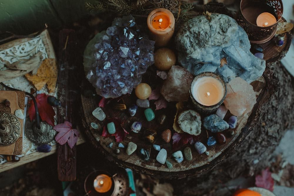 Charge your crystals how to perform a full moon ritual