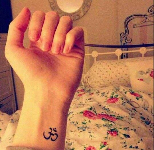 Om Aum Symbol Tattoo Tattoos Designs Pinterest Symbols