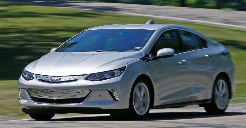 Why The Chevy Volt Is Hands Down Better Than The Gen 1 Toyota Prius Or The Nissan Leaf Chevrolet Volt Chevy Volt Toyota Prius