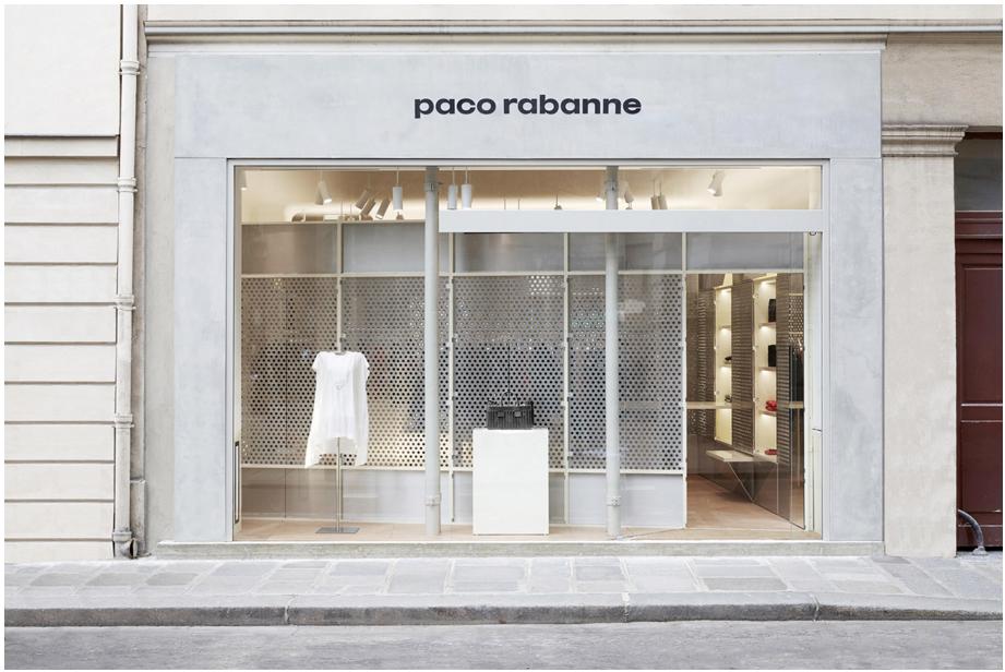 Nouvelle boutique parisienne! #new #shop #pacorabanne #fashion #mode #paris #bust #labonneaccroche