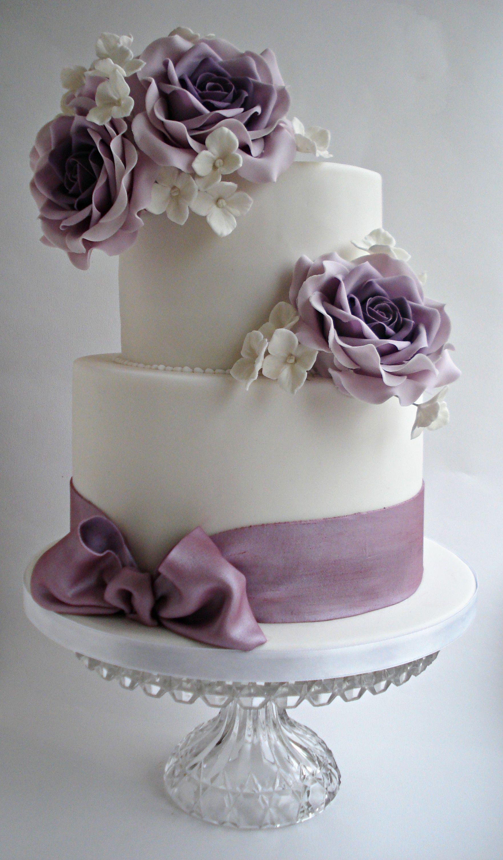 Round Wedding Cakes Lilac roses wedding cake x