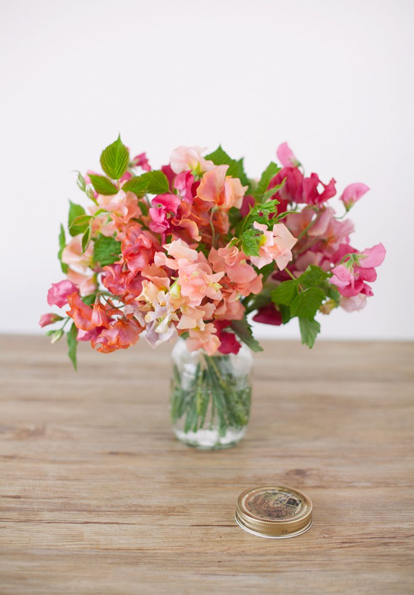 Lovely Sweet Pea Flower Arrangement Perfect For A Special Day Peas Pink
