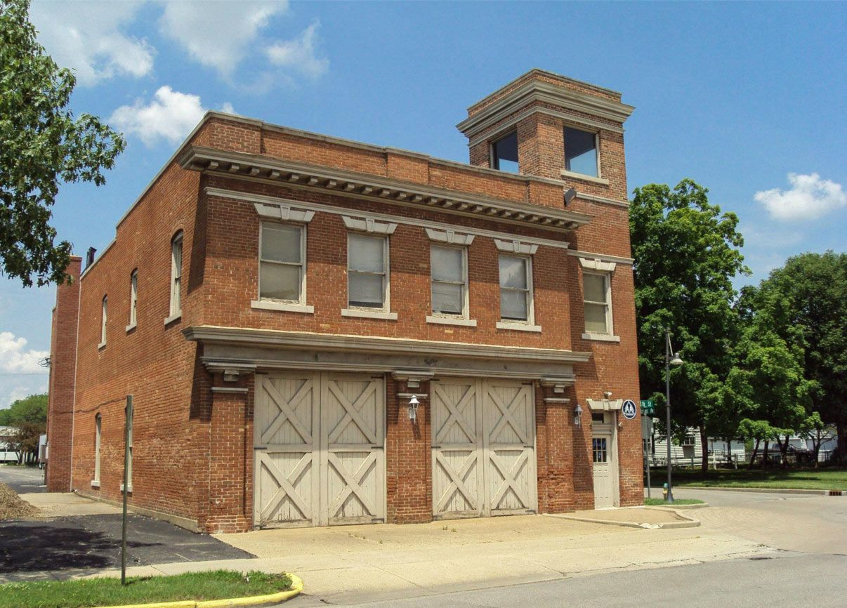 The Original Fire Station 2 At 13th And Hutchins Erected In 1908 And Moved Into In 1909 Photo By Gary Scroggin Columbus Indiana Fire Station Outdoor Decor