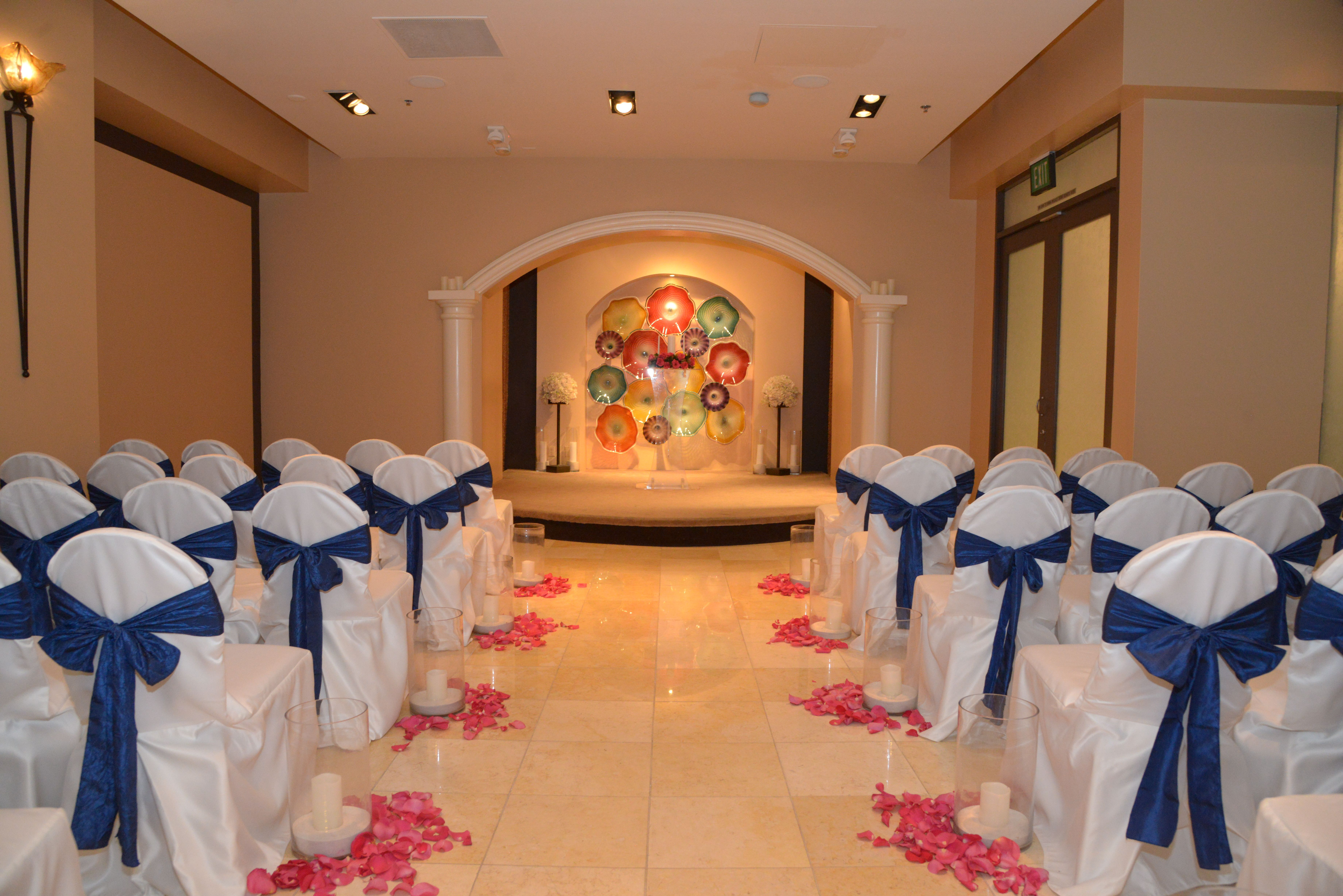Navy And Pink Wedding The Chapel At Planet Hollywood Las Vegas Https Www