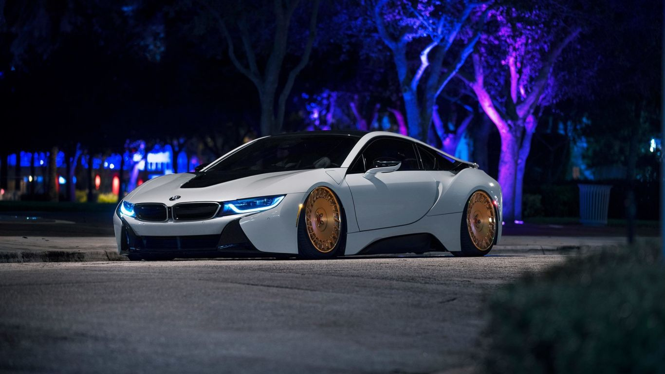 Download Wallpaper 1366x768 Bmw I8 White Side View Laptop