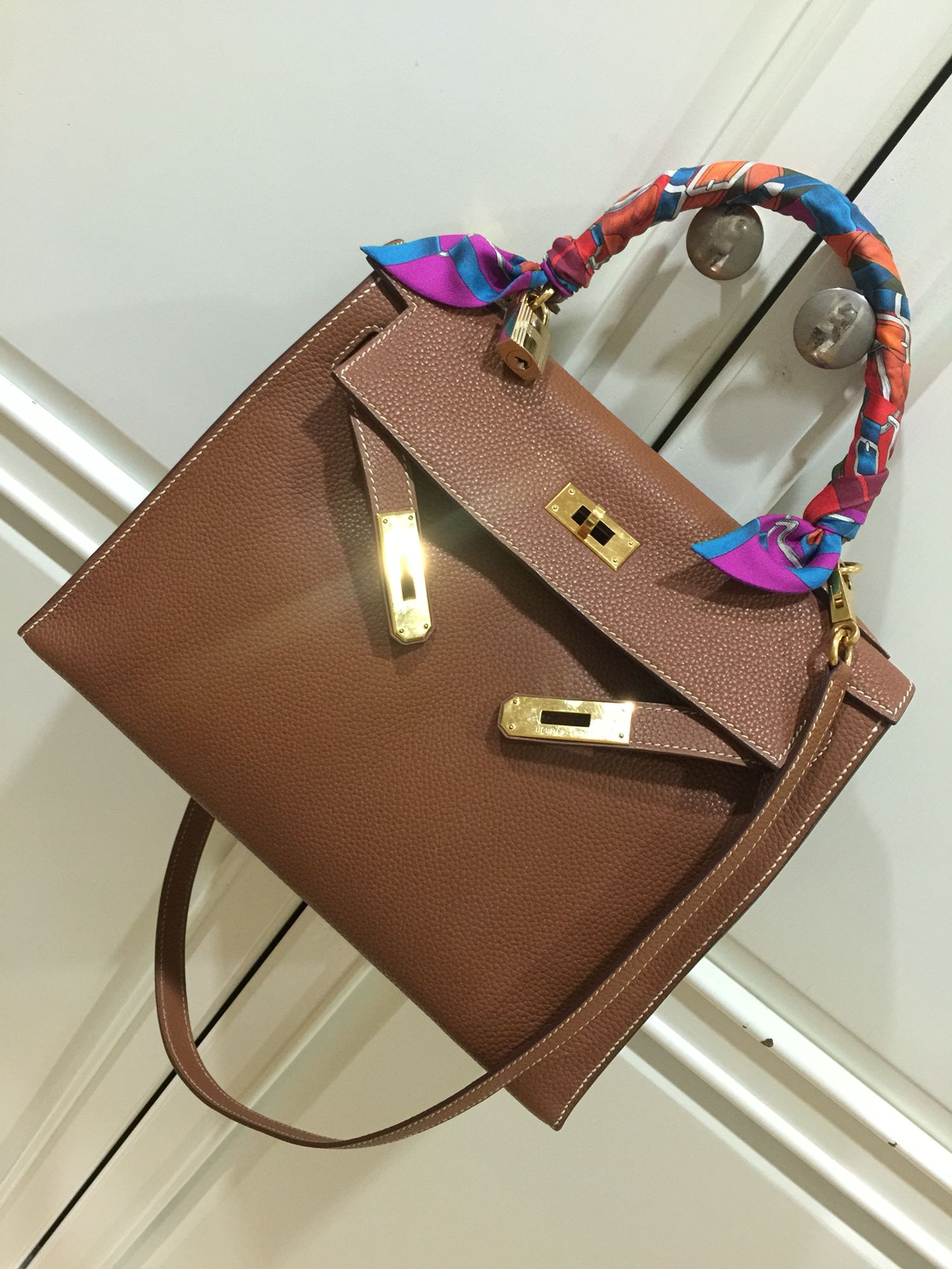 51a4a012a91f Hermes Kelly 28 Gold Togo GHW