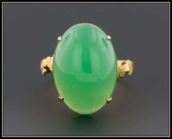 Vintage 14k Gold Chrysoprase Cabochon Ring by TrademarkAntiques