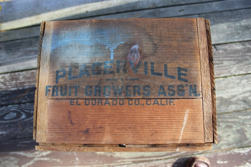 VINTAGE PLACERVILLE FRUIT GROWERS Assn. CRATE WOODEN BOX EL DORADO CALIFORNIA