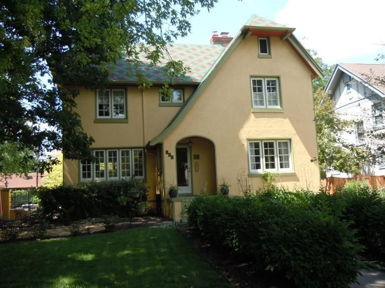 247 Volusia Ave Oakwood Oh 45409 Coldwell Banker Heritage Realtors Sold Real Estate House Styles Oakwood Ohio