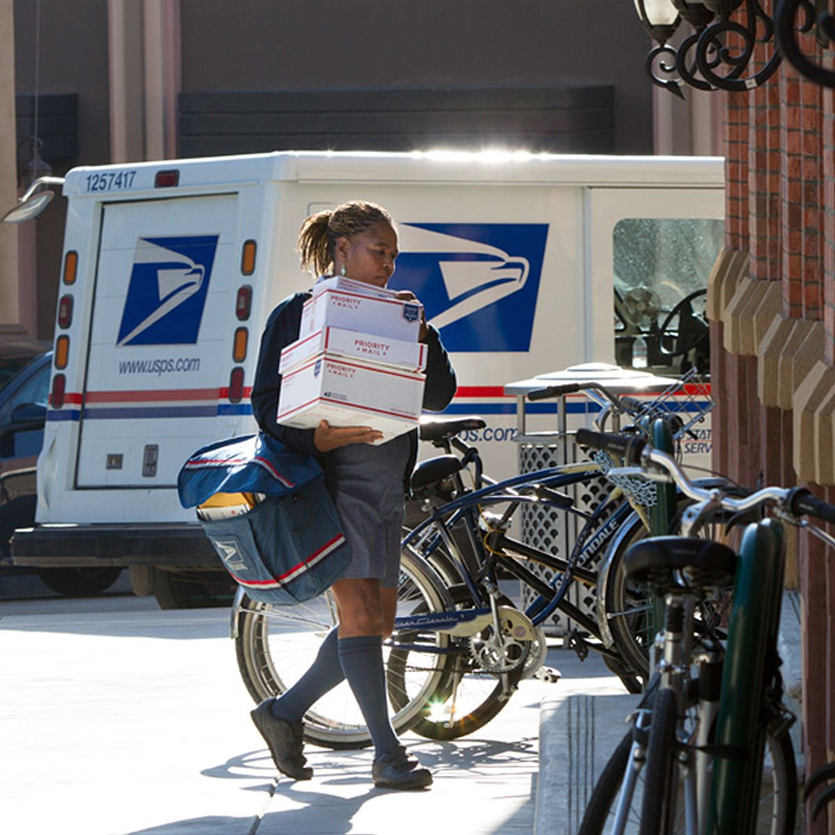 Over 630 000 Employees Work Hard To Help Deliver 400 Million Mail
