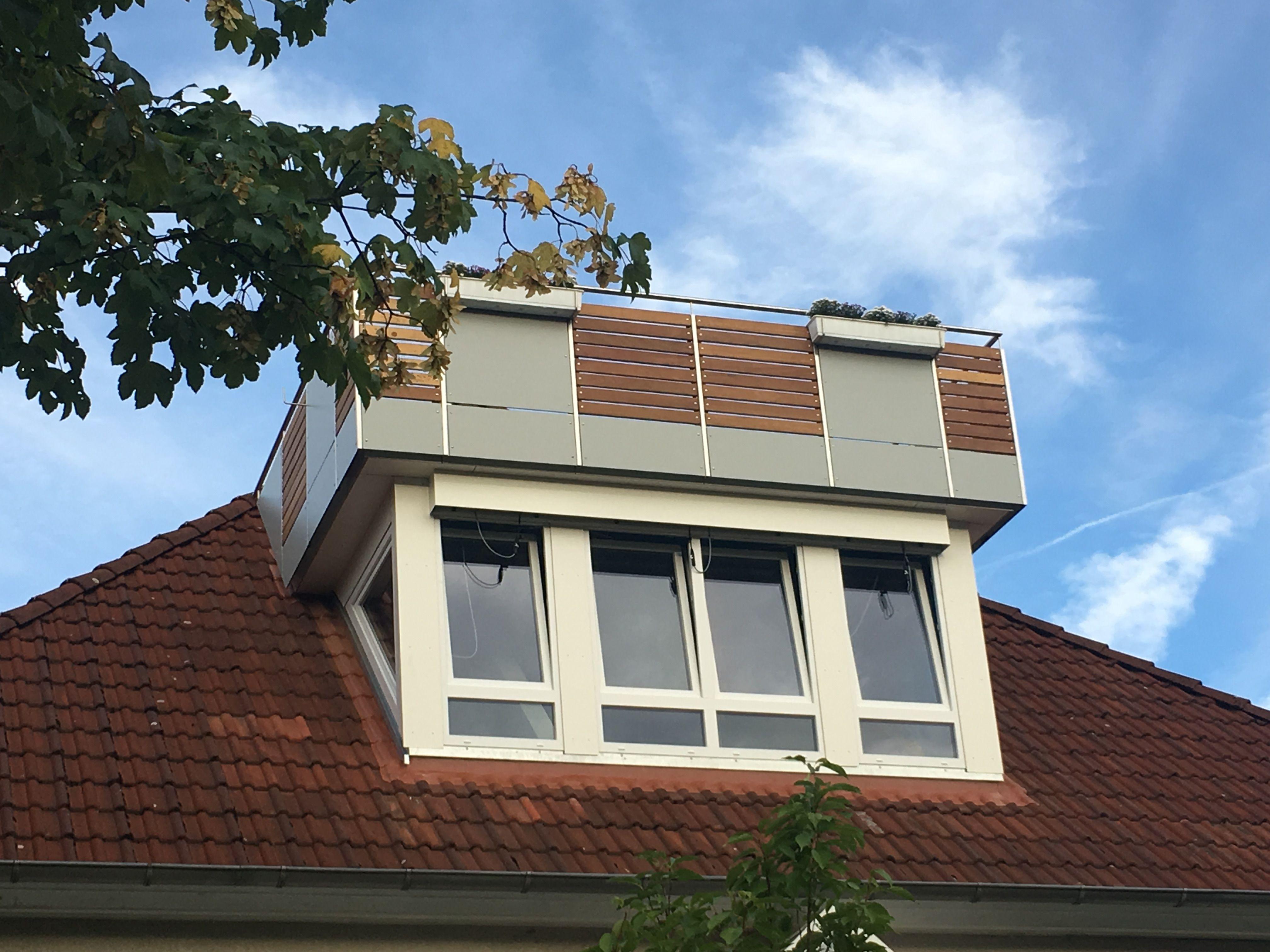 dachgaube mit balkon die sattelgaube ist eine der ltesten und gngigsten gaubenarten ihre. Black Bedroom Furniture Sets. Home Design Ideas