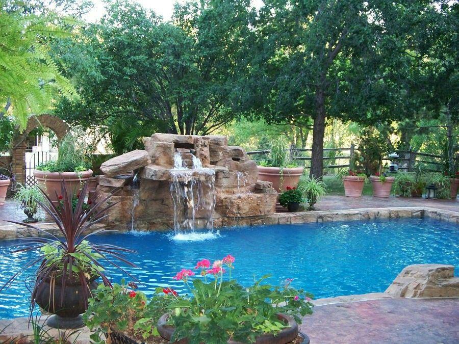 Pin de gloria jordan en piscinas fuentes y jardines for Piscina huerta de lara