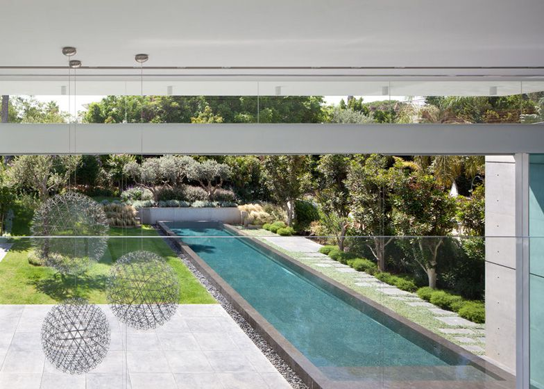 Barak House by Pitsou Kedem 7 Original Modern Home Conveniently Built Between Two Yards in Israel