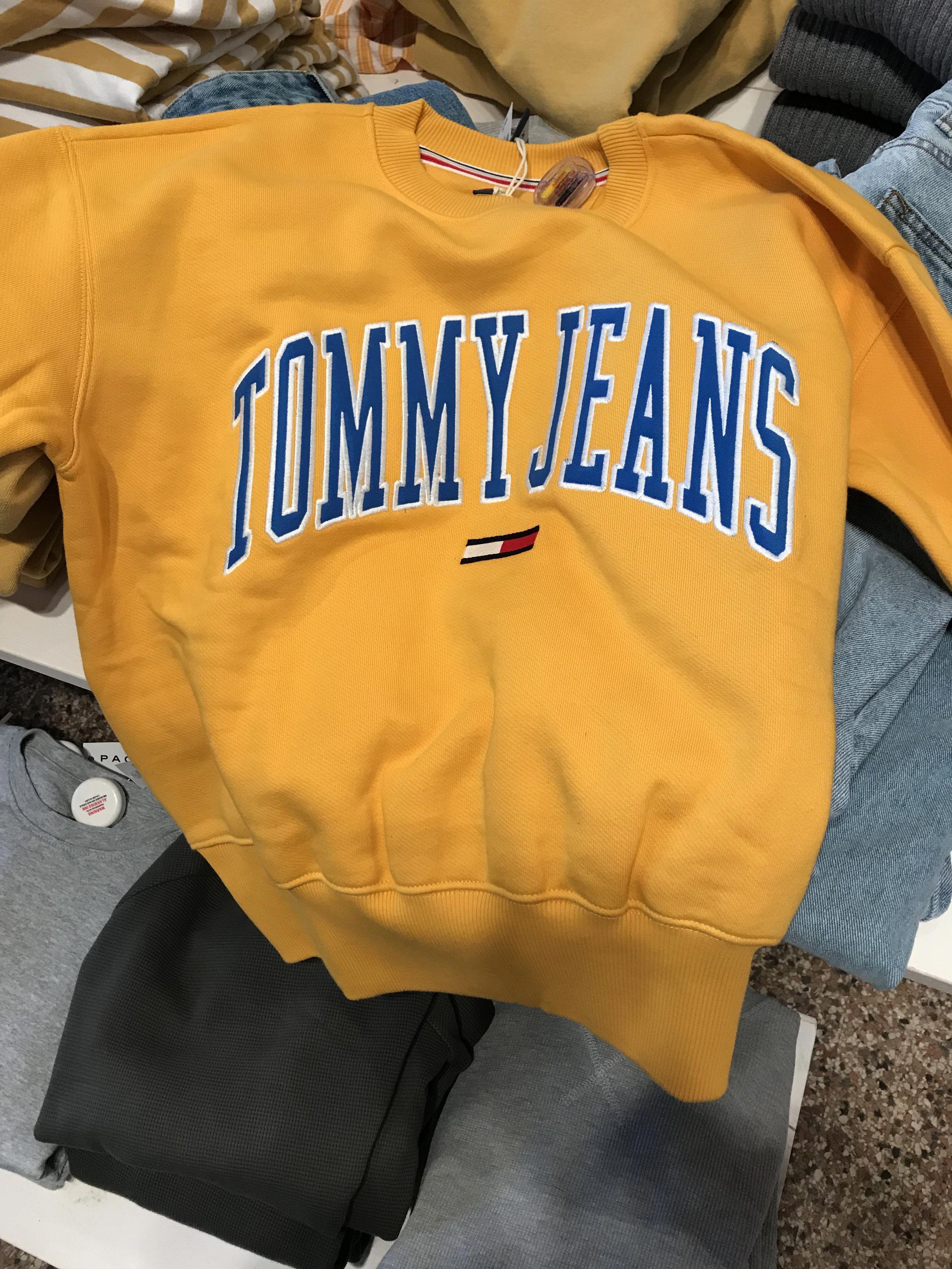 Tommy Hilfiger Yellow Sweatshirt Pacsun Nightoutjeansoutfit Tommy Hilfiger Outfit Trendy Hoodies Trendy Sweatshirt [ 4032 x 3024 Pixel ]