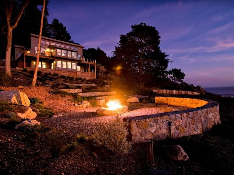 Wind and Sea Estate in Big Sur - perched on a cliff, overlooking the ocean, 3 BR, 2.5 BA - option for your wedding ceremony and celebration as well as for your bridal night; your guests would stay in nearby hotels
