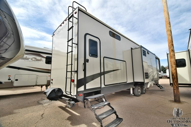 Image Of The 383rblok Sandpiper Recreational Vehicles Fifth Wheel