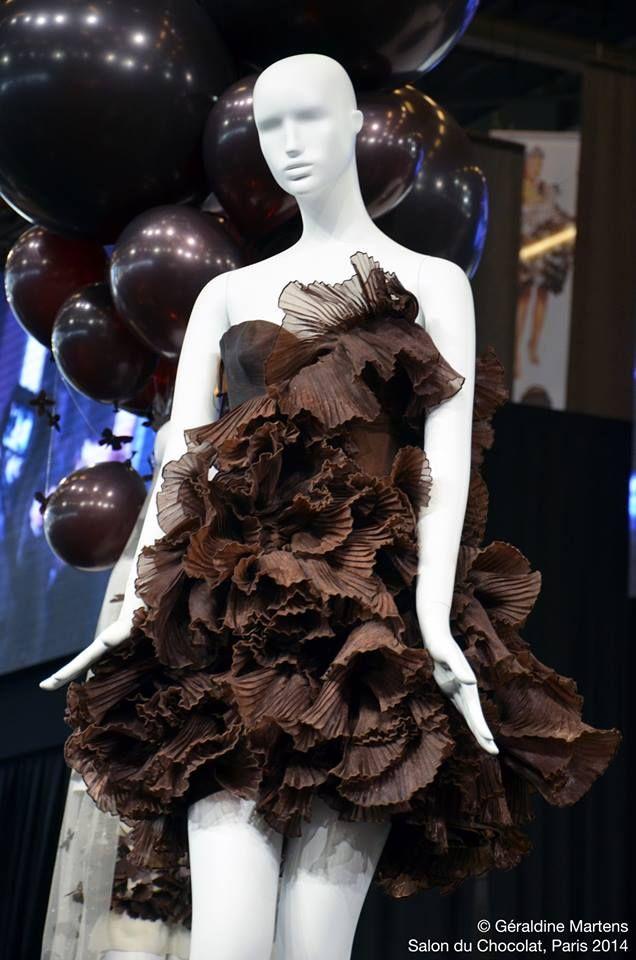 robe en chocolat chocolat pinterest chocolate art chocolate and chocolate sculptures. Black Bedroom Furniture Sets. Home Design Ideas