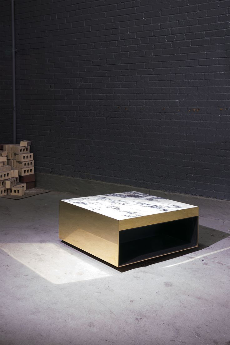 Minotti table   mobiliario   Pinterest   Mesita de noche, Mesas y Noche