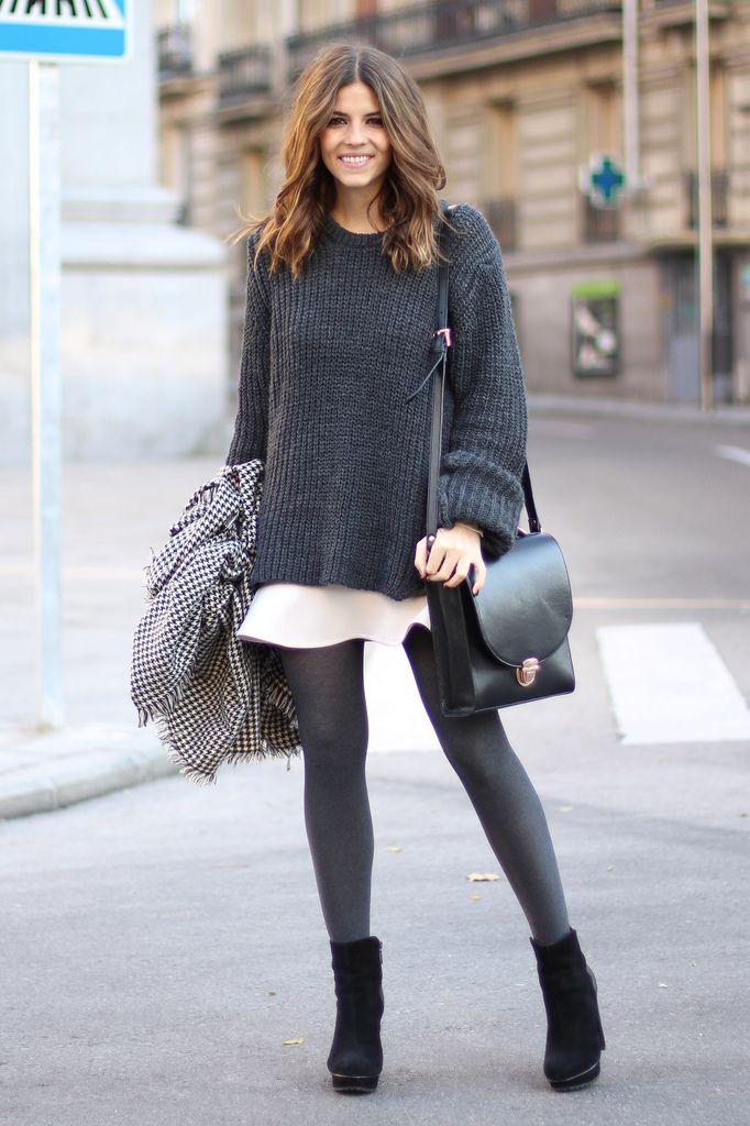 trendy_taste-look-outfit-street_style-fashion_spain-moda_españa-peplum_skirt-falda-oversize_knit_sweater-jersey_punto_oversize-black_booties-zara-plaid_scarf-bufanda_cuadros-botines_negros-polaroid-8