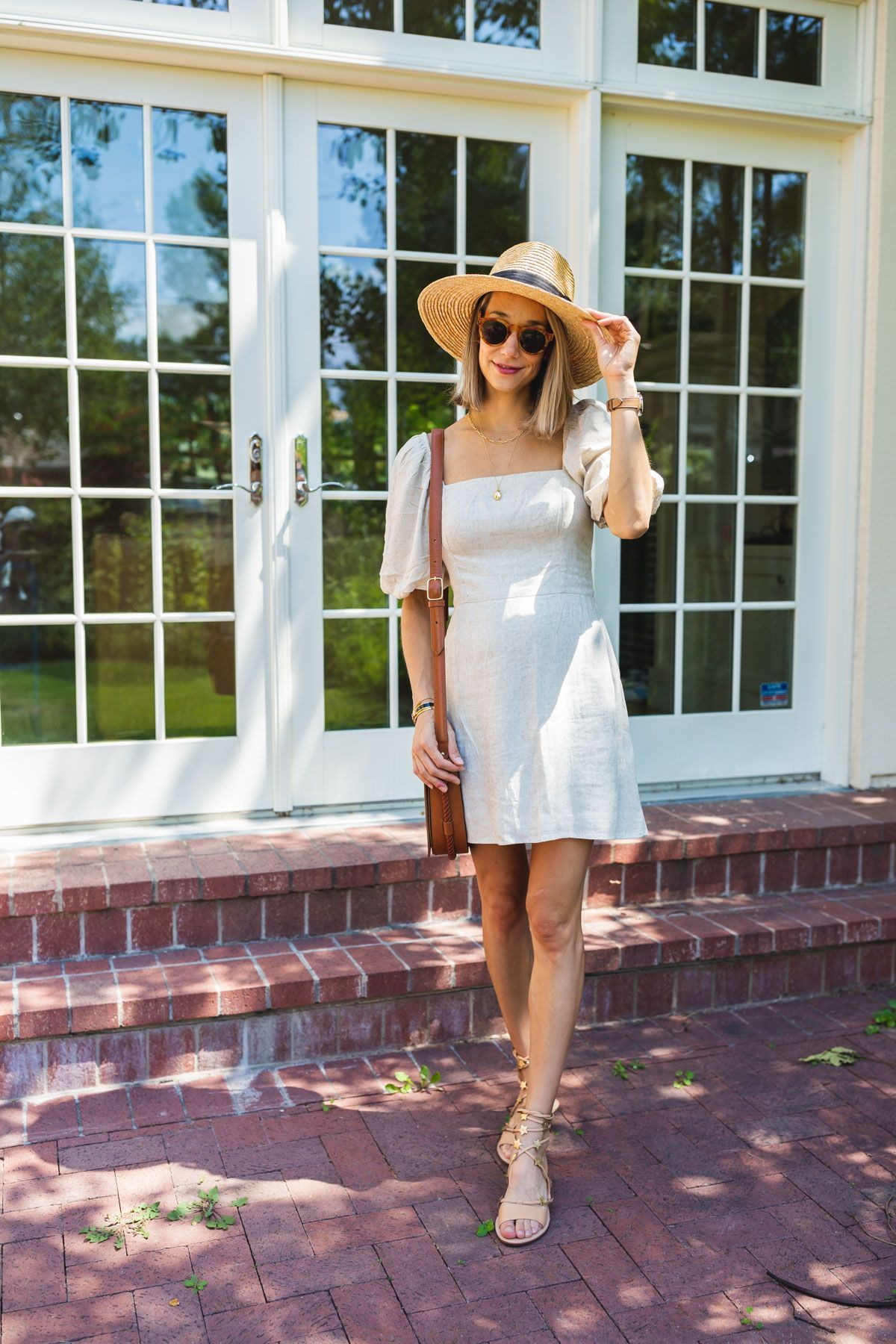 How to Style a Linen Dress - The Fox & She #summerootd #styletips #outfitideas