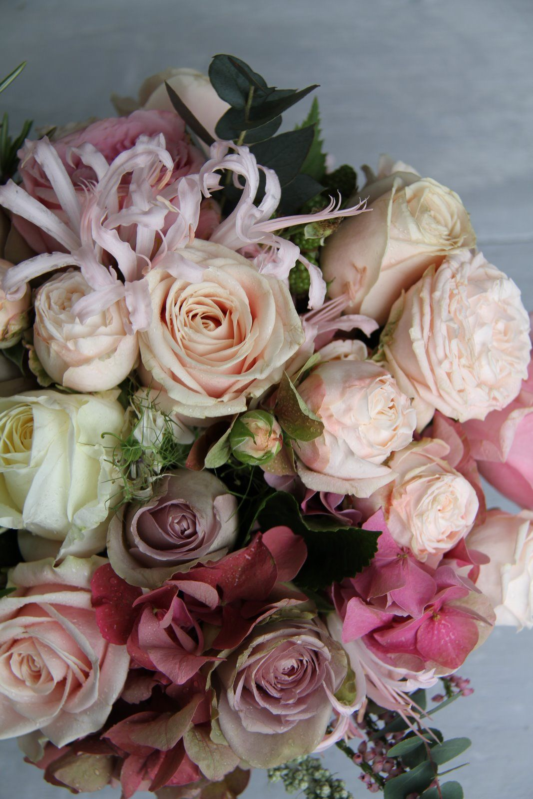 These are awesome flowers arrangements pinterest vintage these are awesome izmirmasajfo