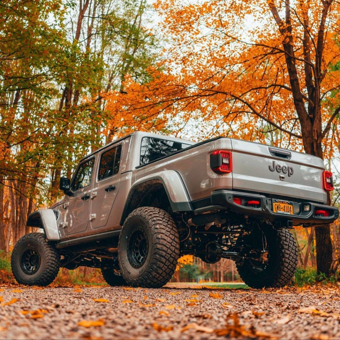 What's your view today? . 📸 hilltop_photography . Lifted