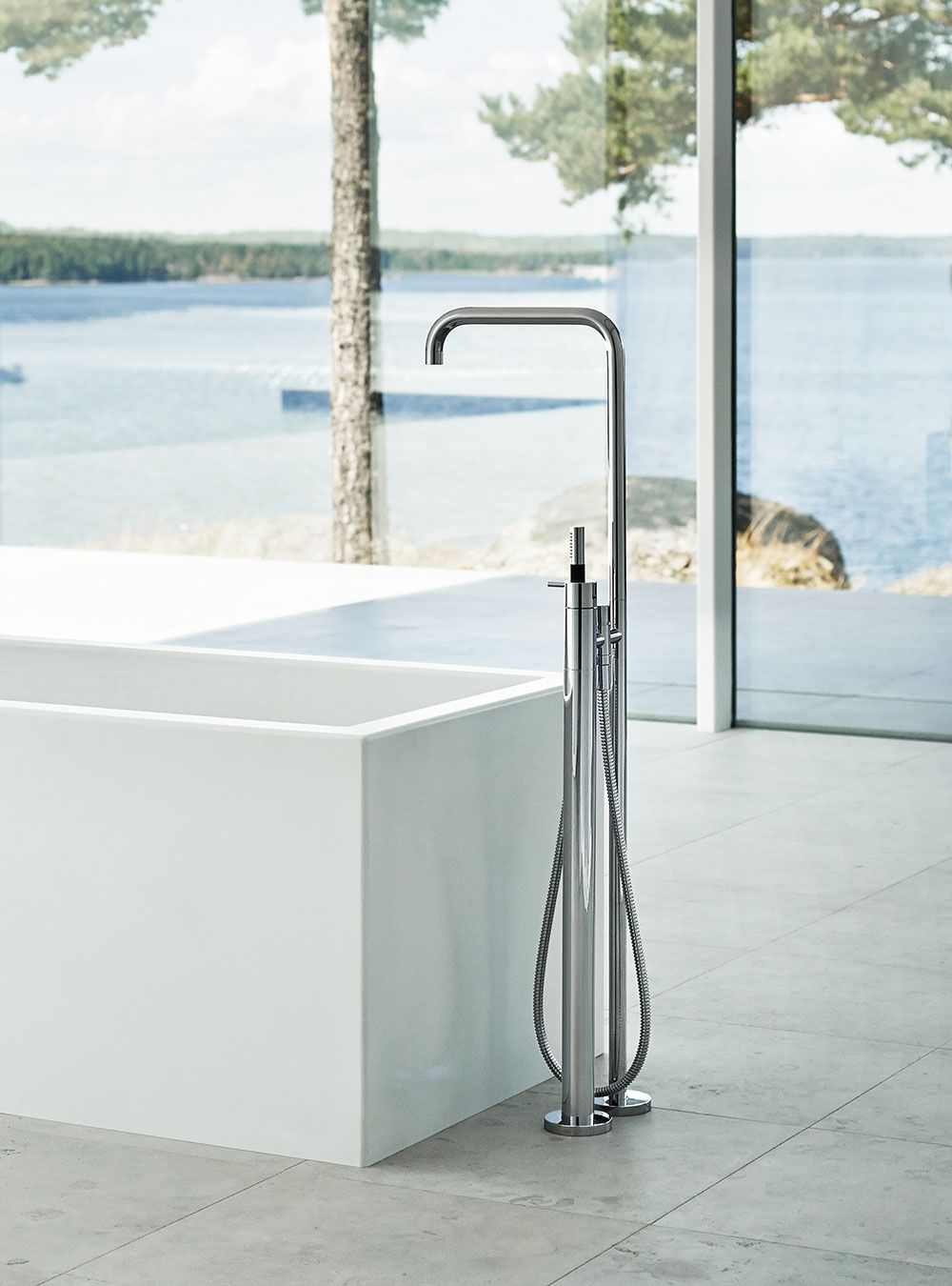 FS1: Free-standing bath mixer with hand shower, high 1080 mm.FS1 UP ...