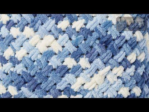 Criss Cross Bernat Blanket-ez Pattern | The Crochet Crowd
