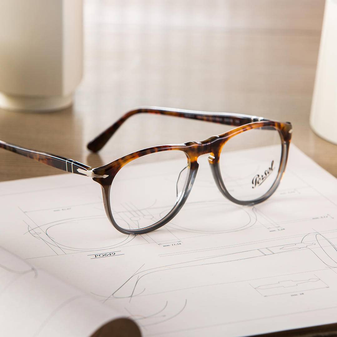 5314aef7db3 Fuoco e Ardesia glasses by Persol are touched by shades of fire and stone