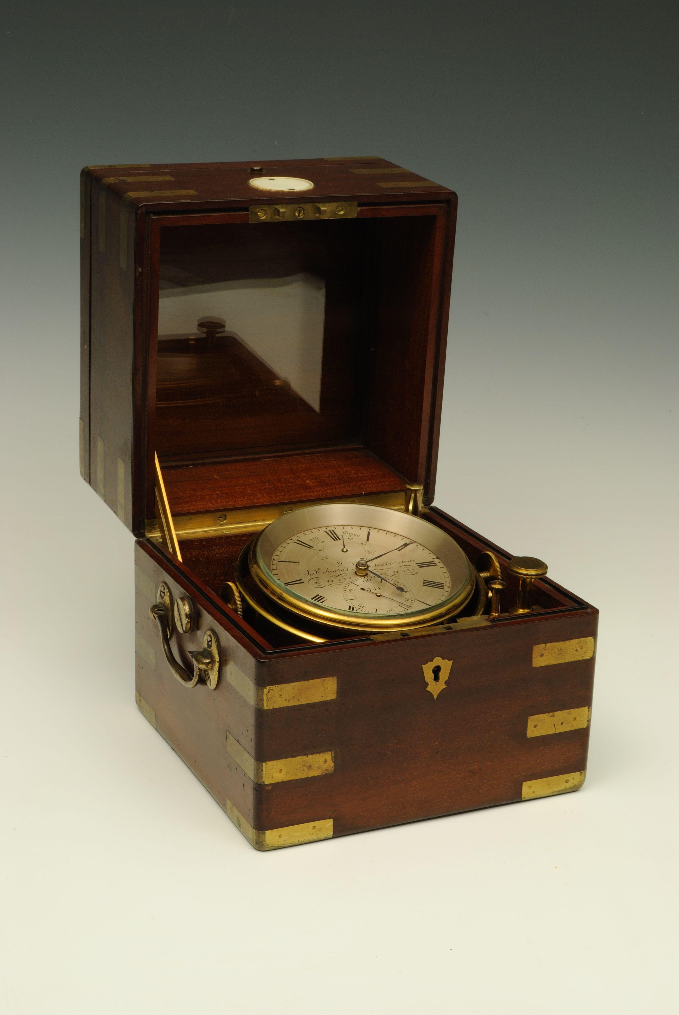 023f584ccbb A fine 19c ships chronometer Itens Masculinos