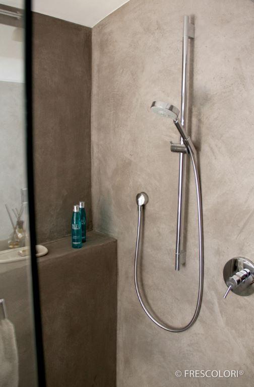 Bad und Dusche fugenlos und wunderschön - glastür für badezimmer